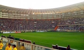 Hráči Peru si na kľúčový zápas s Argentínou prinesú vlastnú vodu. Dôvod? Boja sa, že ich Argentínčania zdrogujú!