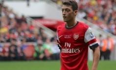 Mesut Ozil spoluhráčom: Odchádzam do Manchestru United!