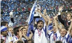 Dnes večer futbal nepozerajte: Gréci plánujú hrať na osem obrancov!