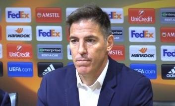 Tréner Sevilly počas zápasu s Liverpoolom oznámil hráčom, že má rakovinu