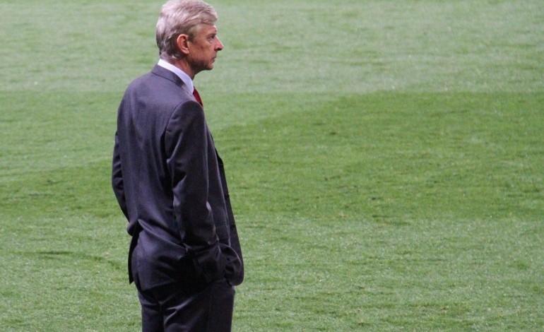 Arsene Wenger musí z Arsenalu preč!